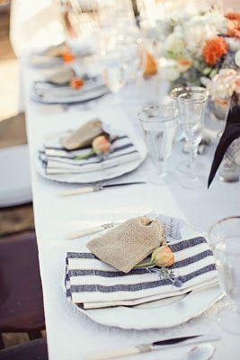 Enkel serviett pynt på sommerbordet