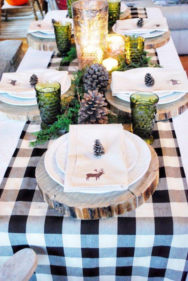 Vinterlig og rustikk borddekking