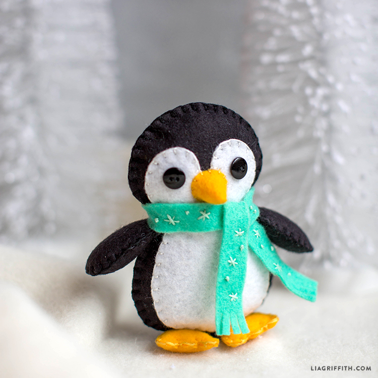 Felt_Teal_Scarf_Penguin_Stuffie_TN