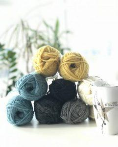 Om uferdige strikkeprosjekt og garnlagre